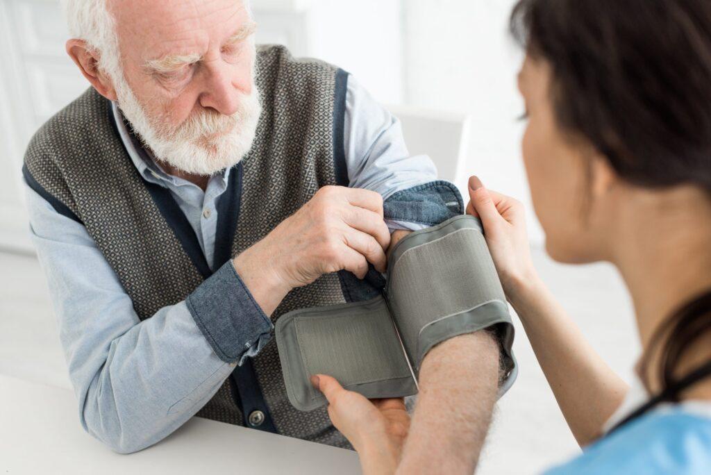 Гипертонический криз дифференциальная диагностика — Медико ...